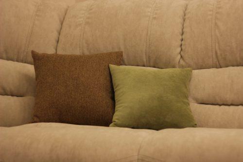 Декоративные подушки на кухне