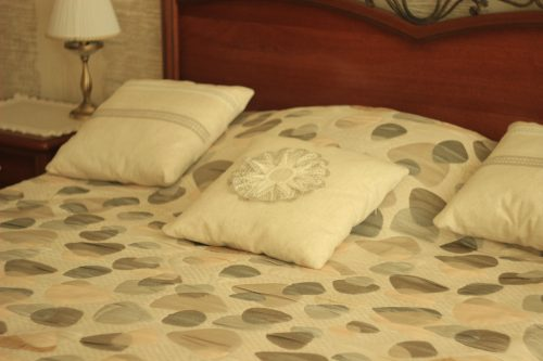 Авторские декоративные подушки с вышивкой