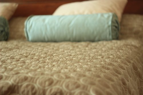 Декоративный валик и подушки