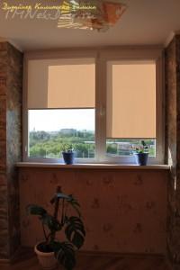 Кассетные рулонные шторы на балконе