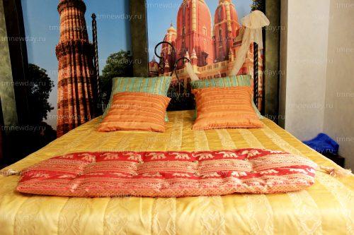 Покрывало и подушки Индия