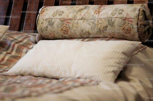 Покрывало подушки и валик