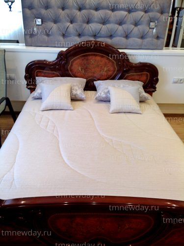 Покрывало фигурная стежка и подушки