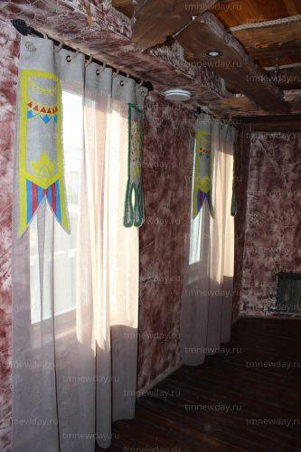 Дизайн штор оформление бара мешковина